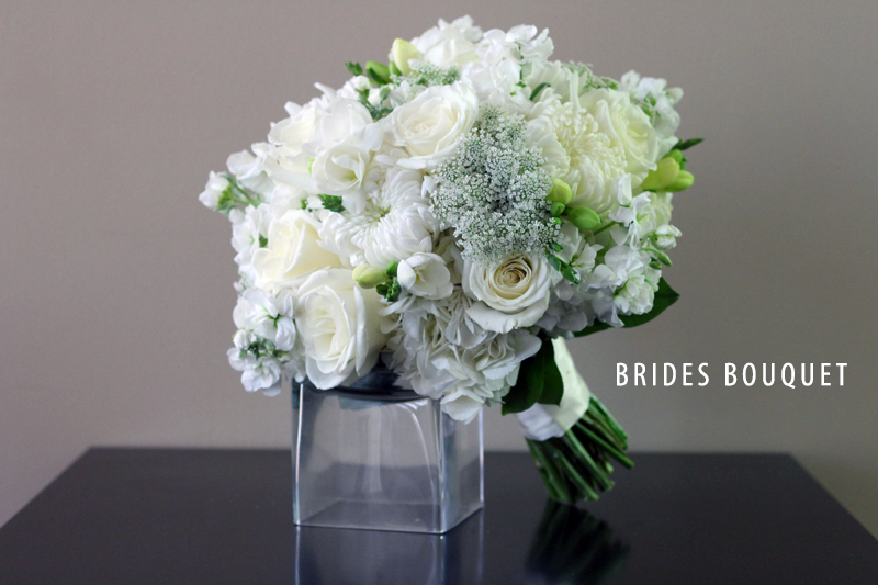 BRIDAL WHITE BRIDES BOUQUET