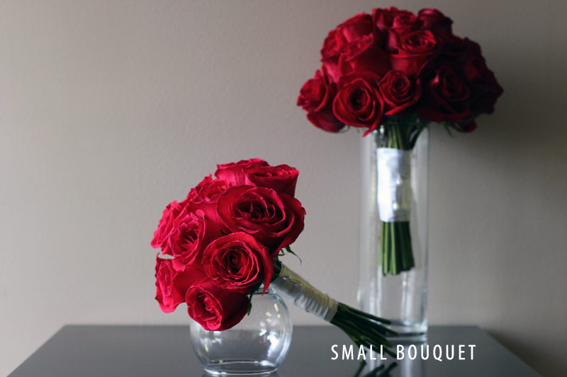 ROMATIC RED SMALL BOUQUET